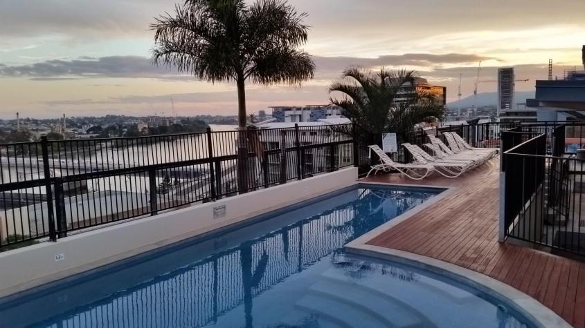 Brisbane City YHA, rooftop pool