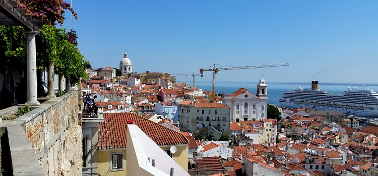 Destination Lisbon: Hotels, Tours and Urban Adventures for Eco-Smart City Travelers